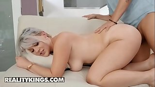(Sunny Hart, Jessy Jones) - Large And In Charge - Reality Kings