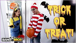 BANGBROS - Trick Or Treat, Odor Evelin Stone's Feet. Bruno Gives Her Something Good To Eat.
